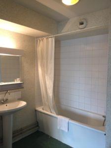 artisan peintre salle de bain
